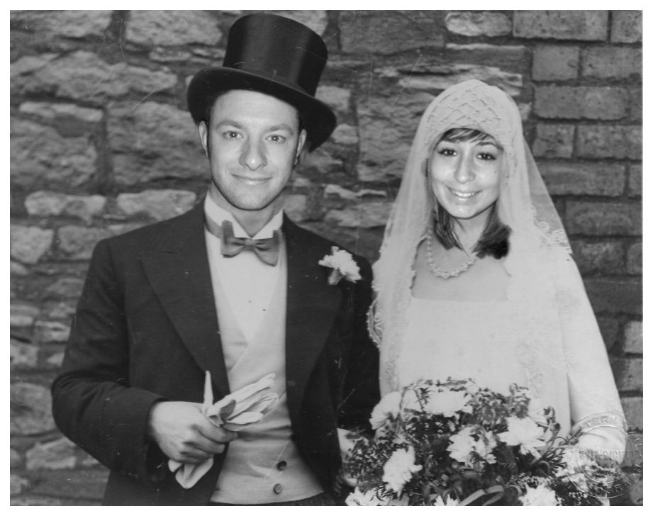 by the photoshopped picture below to have a 1920s themed wedding